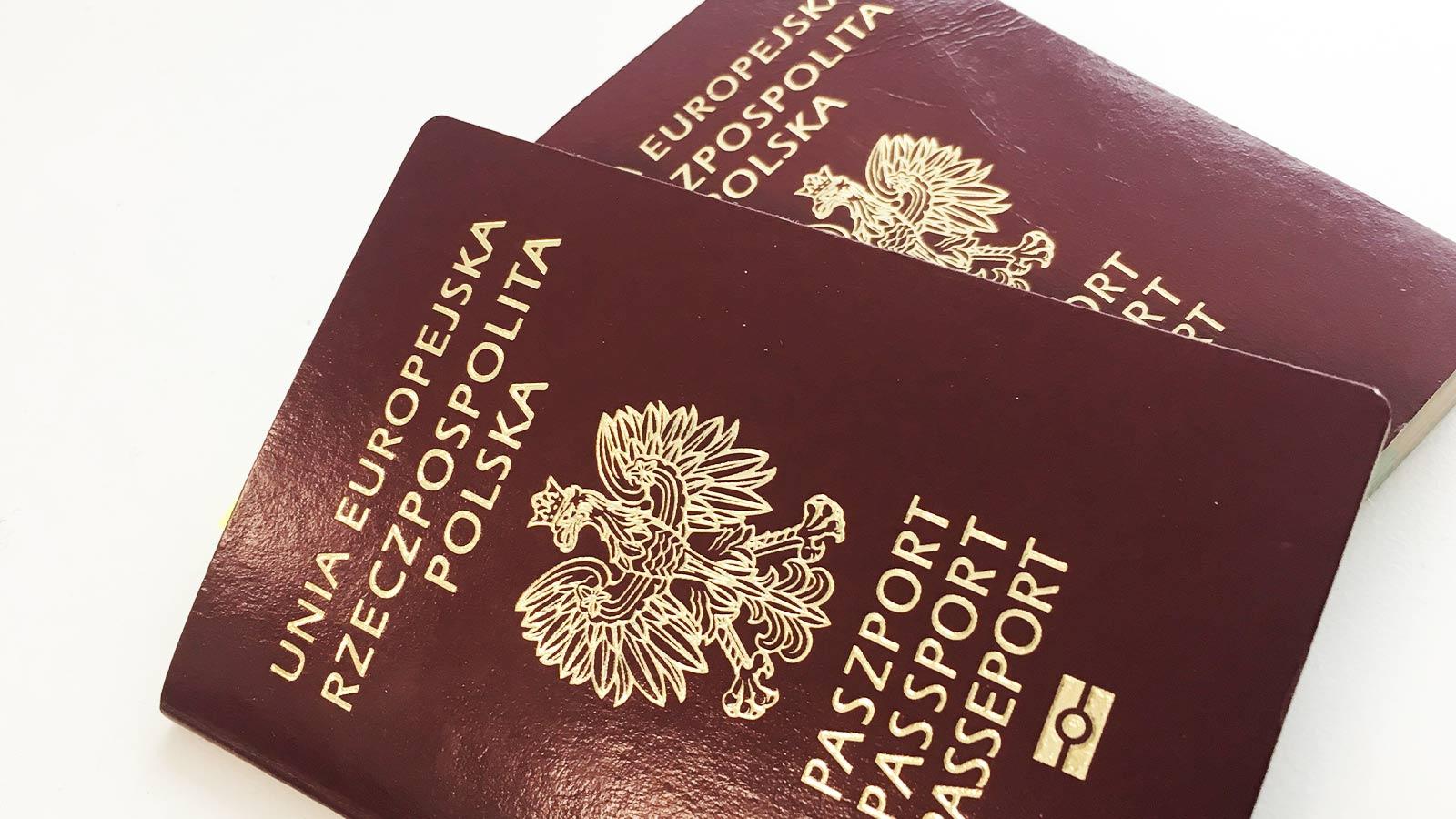 Dwa paszporty